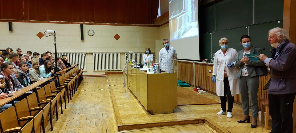 Noblista prof. Robert Huber z wizytą w Instytucie Nauk...