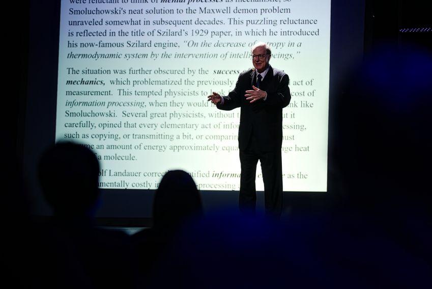 Wykład prof. Charlesa Bennetta podczas XVII LFN