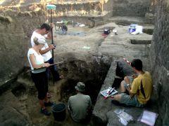 eksploracja grobu szkieletowego iii fot. t. mysliwiec.jpg