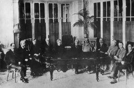 13. Maria na posiedzeniu Międzynarodowej Komisji...