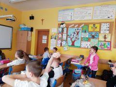 IH_KMH UMCS_wycieczka, pogawędka w Szkole z Małymi...