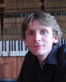 dr Piotr Maleszyk