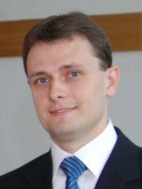 dr Adam Bujak