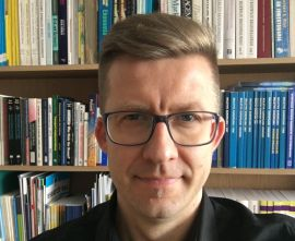 dr Paweł Pasierbiak