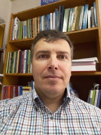 dr Andrzej Tucki