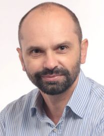 dr Sylwester Orzechowski