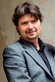 dr Kamil Fil