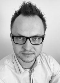 dr Tomasz Knopik