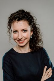 dr Aneta Karasek