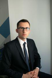dr Kamil Deryło