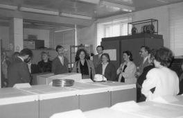 Absolwenci metod numerycznych i programowania z roku 1981: spotkanie po 15 latach w sali komputera IBM 4381