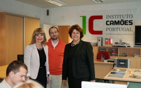 Visita da Presidente do Instituto Camões em Lisboa -...