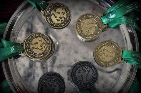 Sukces reprezentantów WMFiI w brydżu sportowym