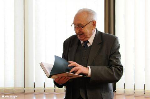 Wspomnienie o Profesorze Michale Łesiowie