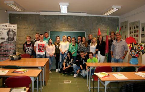 Curso de cultura e língua portuguesa para os alunos do...