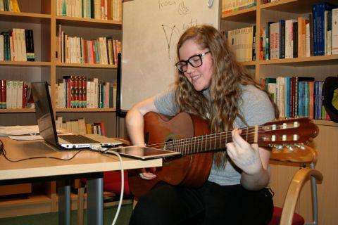 Amanda Neumann Sanches z UNIJUI – Dialogi z muzyką...