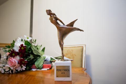 """Statuetka """"Tancerka"""" autorstwa dr hab...."""