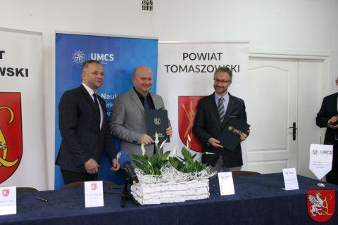 Porozumienie o współpracy między Powiatem Lubaczowskim a...
