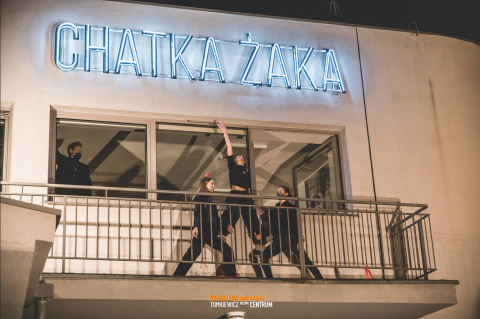 Studenci odpalili neon Chatki Żaka