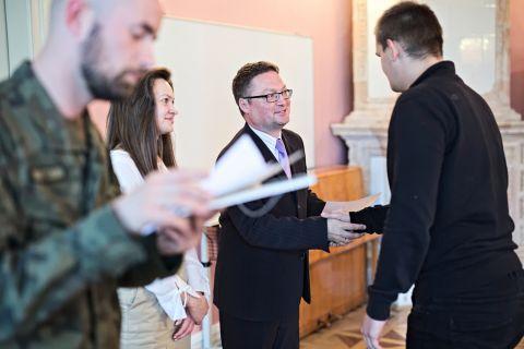 Certyfikaty dla uczestników szkolenia Legii Akademickiej