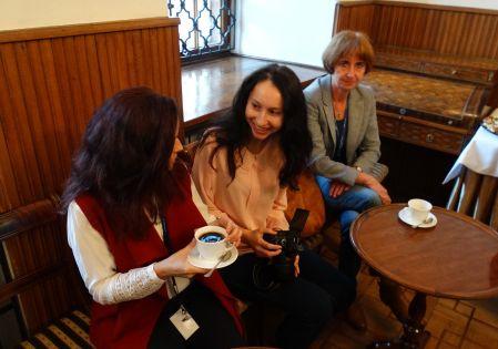 Uczestnicy konferencji podczas przerwy kawowej