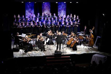 Z orkiestrą.jpg