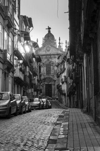 PAWEŁ SOBCZUK Drogi do świętości (Porto).jpg