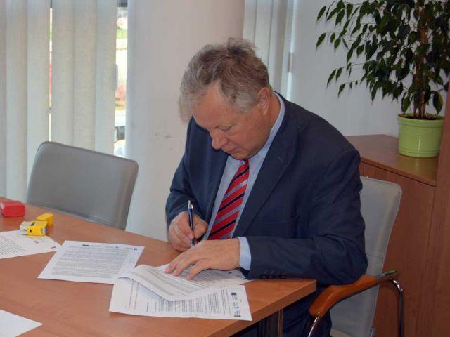 podpisanie_umowy.jpg