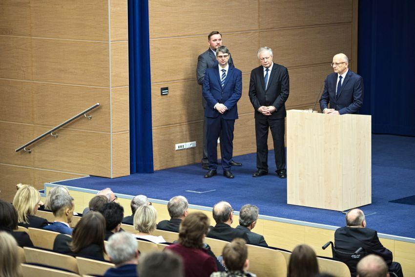 Wręczenie odznaczeń i medali pracownikom UMCS