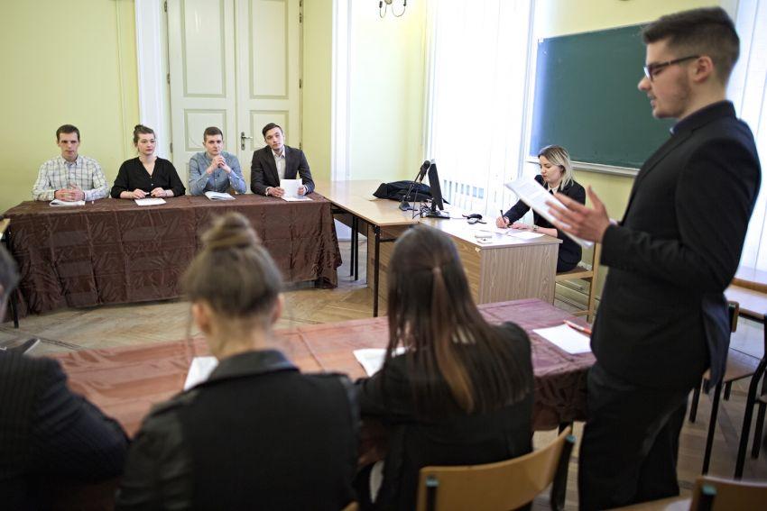 """Debata oksfordzka: """"Imigranci w Polsce - szansa czy..."""